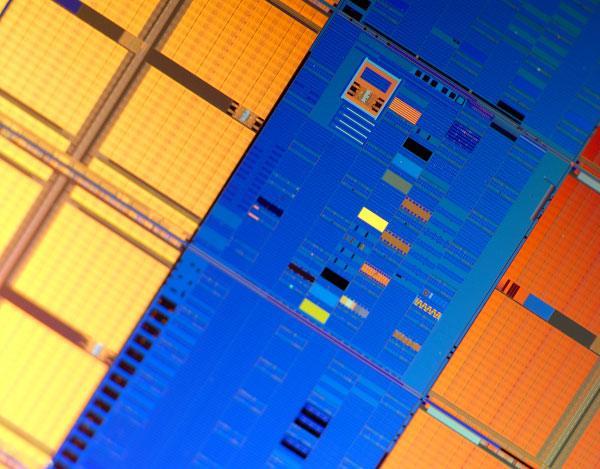 Intel раскроет подробности своих 32-нм микросхем