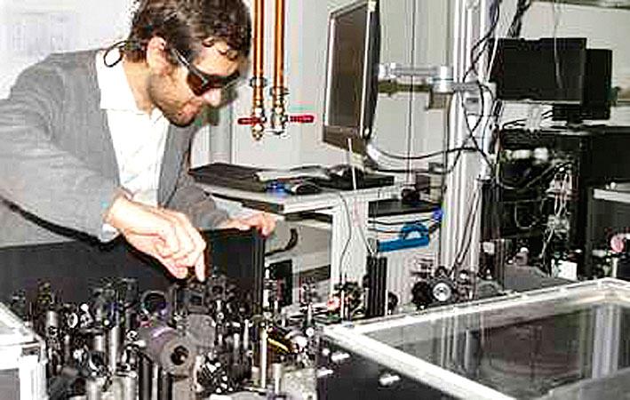 Сверхпроводимость можно получить с помощью лазера