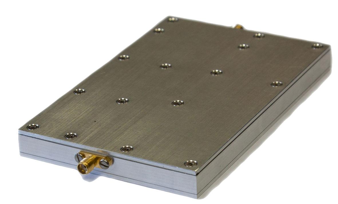Встраиваемый СВЧ-синтезатор от 100 МГц до 12 ГГц