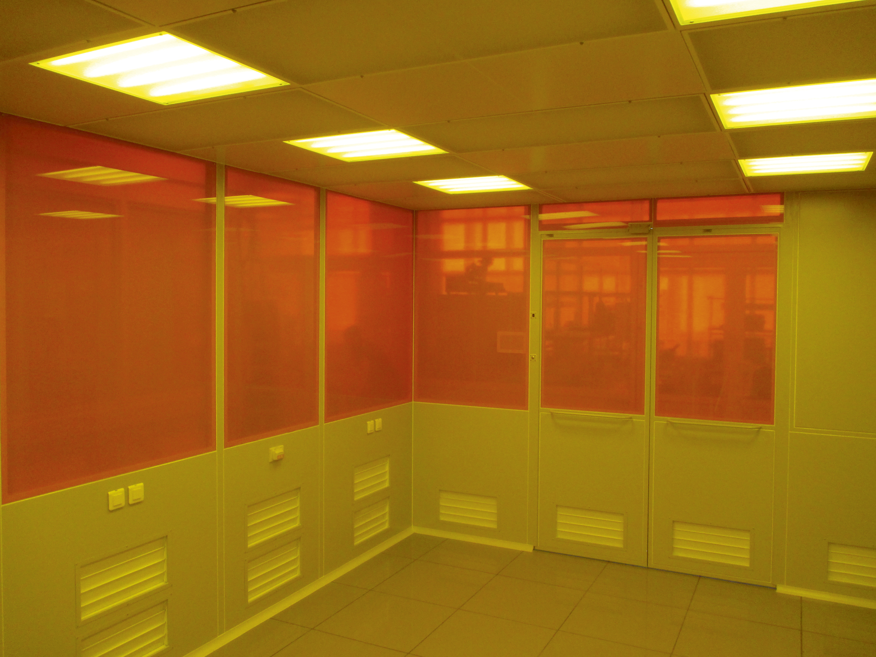 Чистая зона для фотолитографии