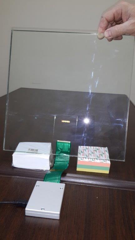 Успешные испытания электролюминесцентного прозрачного дисплея, запрессованного в авиационное стекло