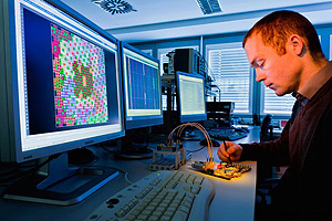 Набор инженеров-радиотехников и радиоэлектронщиков