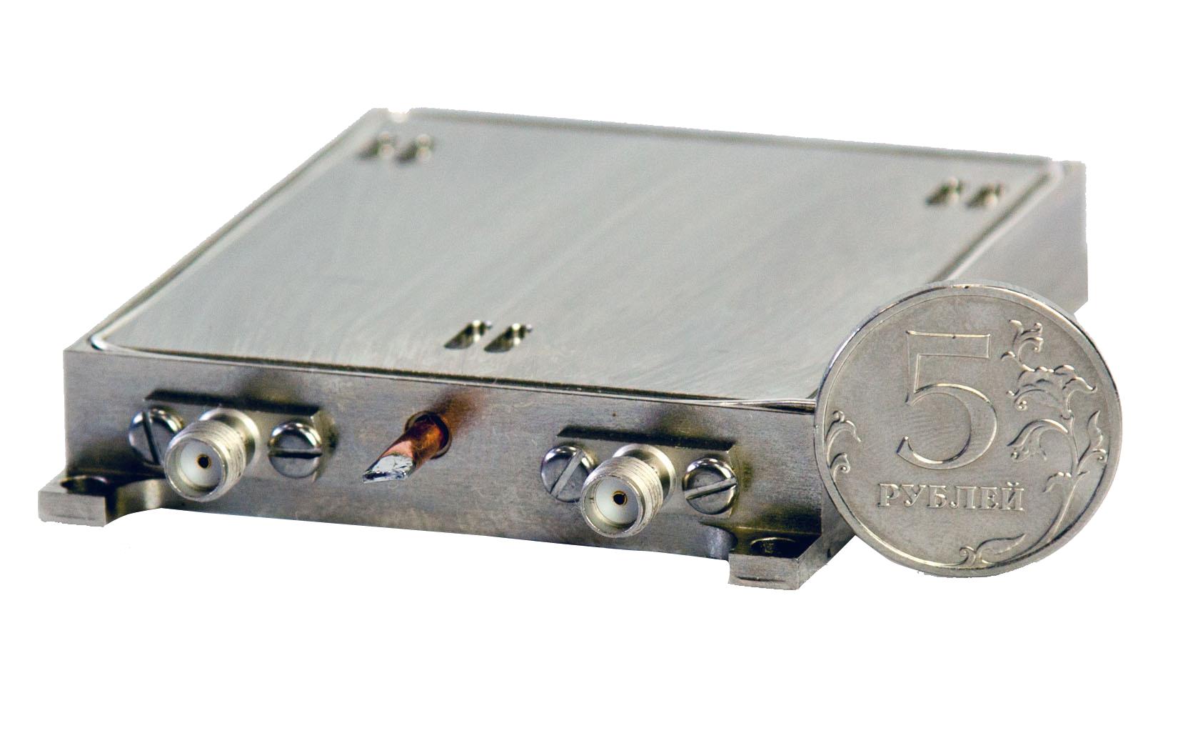 Малогабаритный  СВЧ-синтезатор 10–20 ГГц  с шагом перестройки 1 кГц
