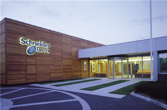 Решения для «умного города» от Schneider Electric