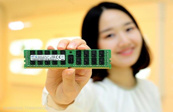 Samsung и SK Hynix сдержат инвестиции ради рынка чипов памяти