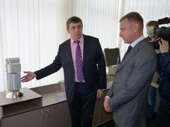 Инновации в деле: Дмитрий Ливанов ознакомился с реальными образцами продукции УрФУ