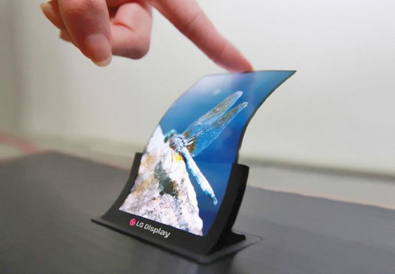 LG запустила массовое производство гибких дисплеев для мобильных устройств
