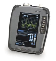 Следящий генератор системы тестирования цифровой радиопередачи 3550: определение КСВН и дистанции до неполадки в кабеле
