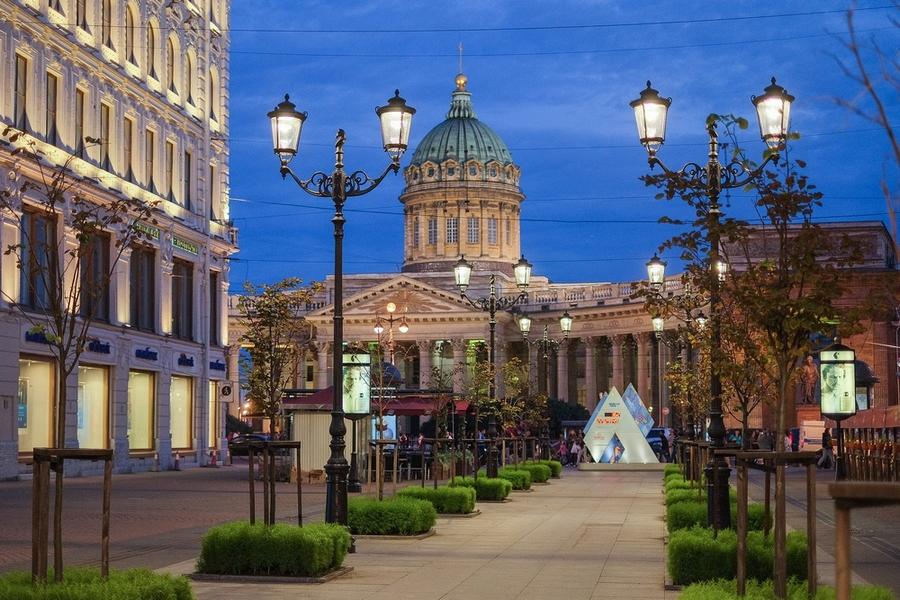 На Малой Конюшенной установлены «истинно петербургские» светодиодные фонари