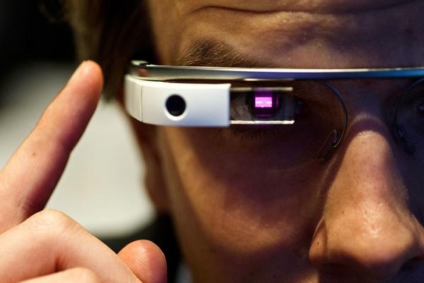 Intel и Luxottica создадут «умные» очки