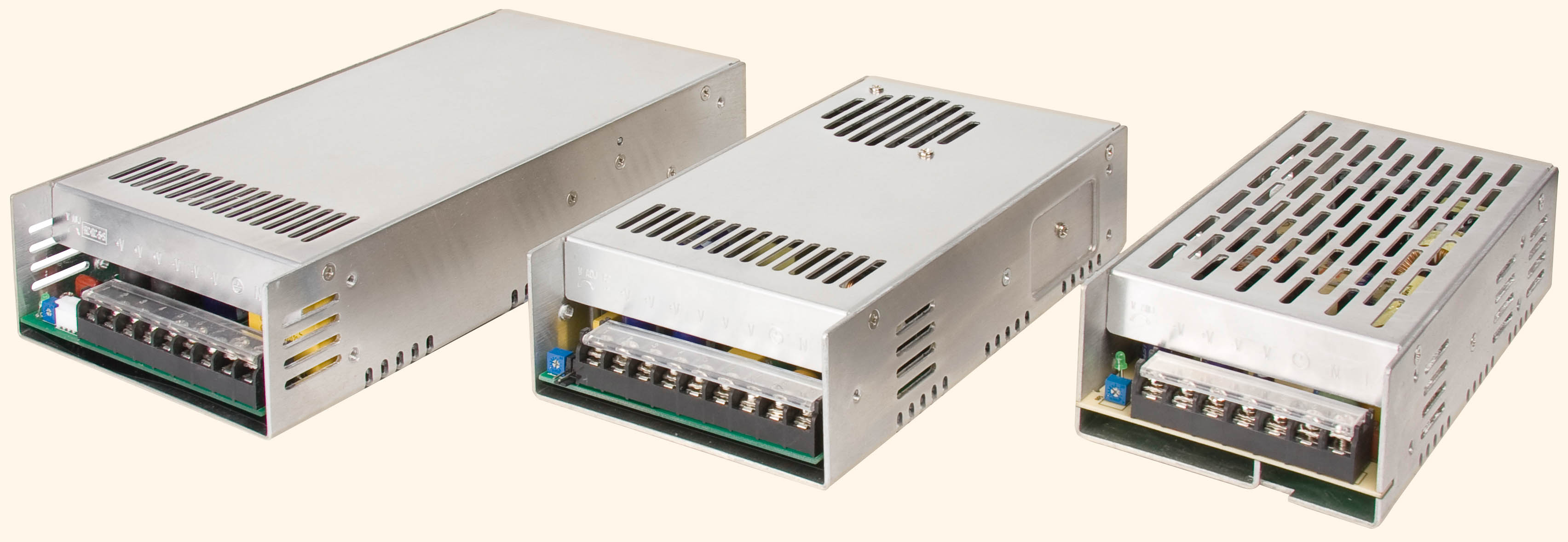 Недорогие корпусированные источники питания AC/DC для промышленных применений