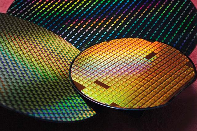Intel: имеющихся 14-нм производственных мощностей недостаточно