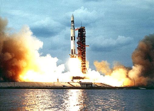 Роскосмос просит 214 млрд руб. на сверхтяжёлую ракету