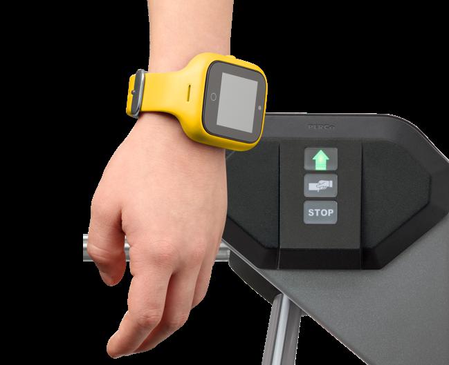 Микрон школьникам: первые часы-телефон «Москвёнок» со встроенным чипом для прохода в школу и оплаты школьного питания