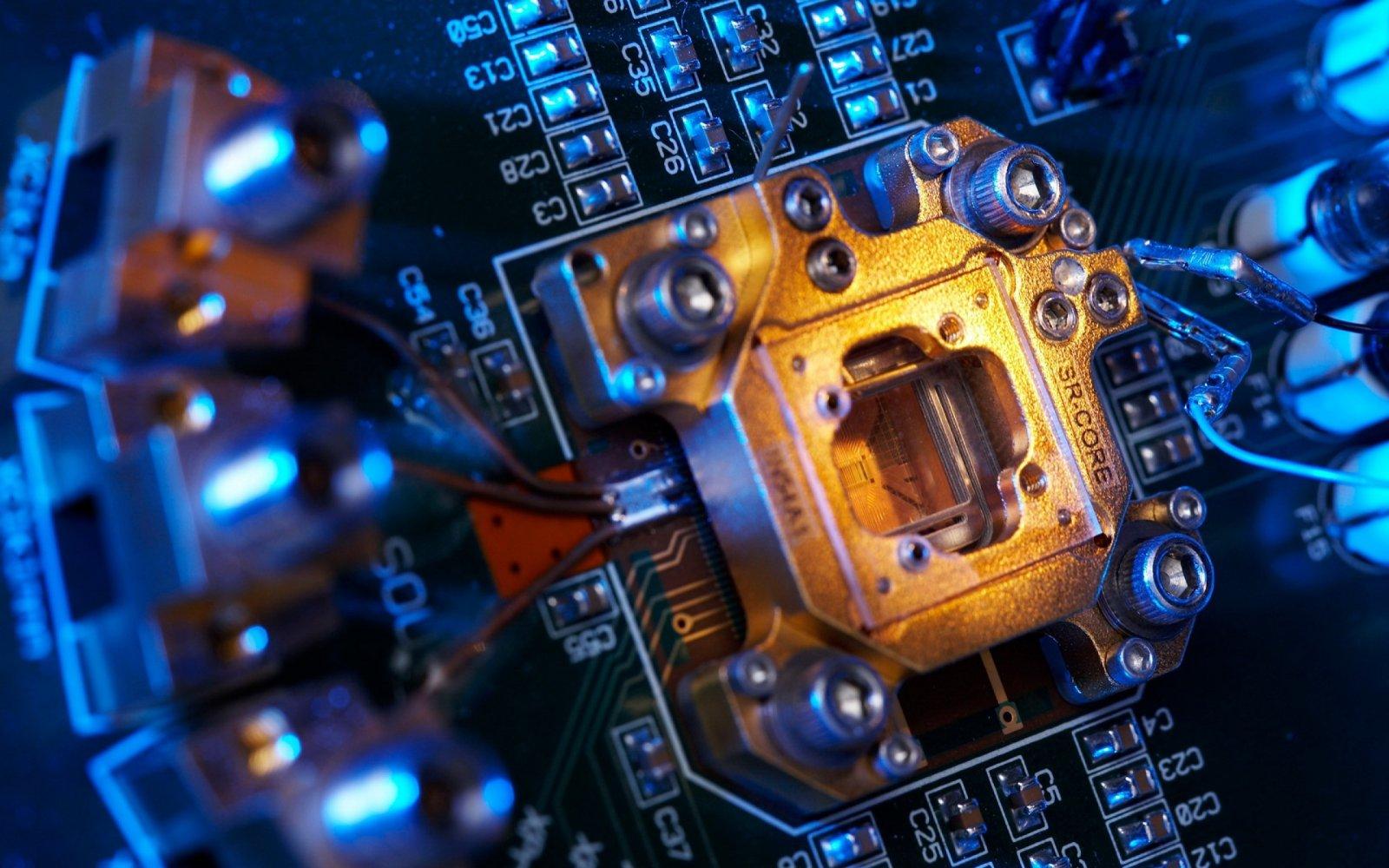 Учёные научили квантовые биты «общаться» внутри кремниевой микросхемы