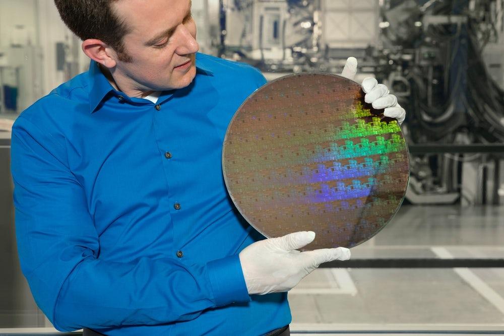 5-нм чип IBM вместил 30 млрд транзисторов