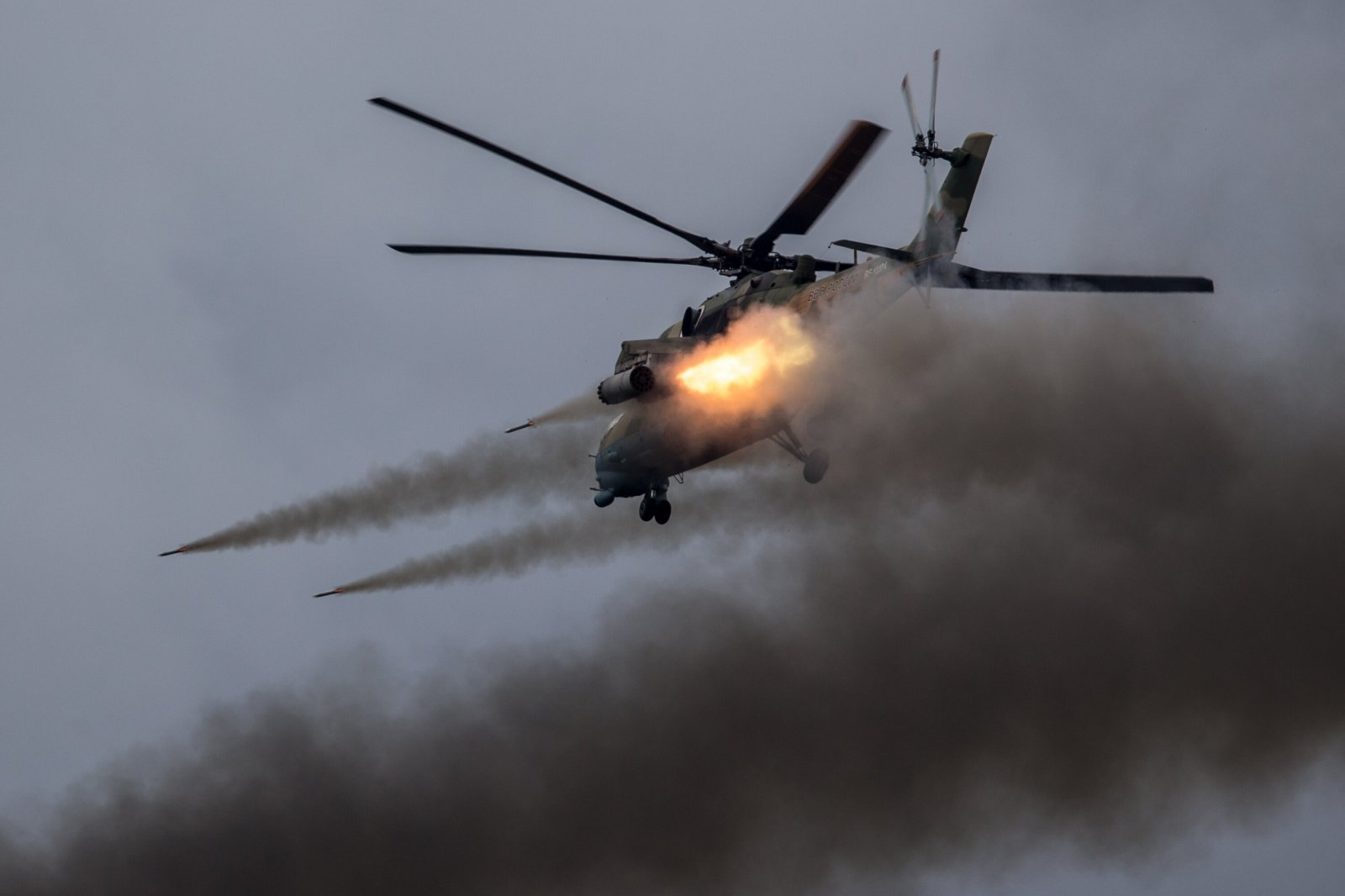 Настоящий бой танков, подводные роботы и полёты легендарных пилотажных групп увидят зрители «Армии - 2017»